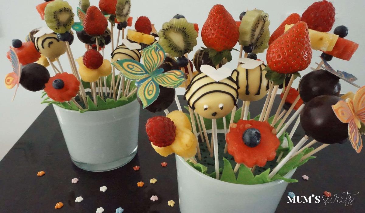 Cake_Pops-Blumenwiesen-mit-Obstspießen
